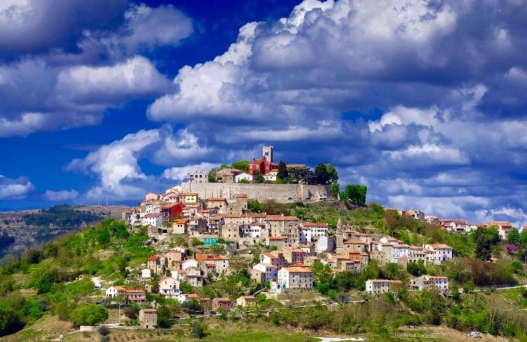 Istriens smukkeste middelalderby Motovun