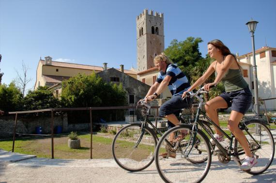 udsigt-motovun-med-cykel