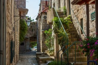 ulice Mali Ston _ IMG_4260 _ Photo by Boris Jovic