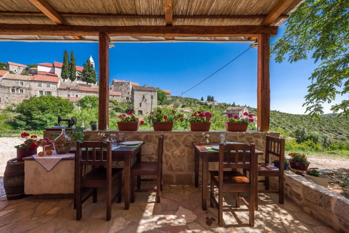 hvar-cooking-class-in-the-lavender-village-58ff6027330164-1.79778321_huge
