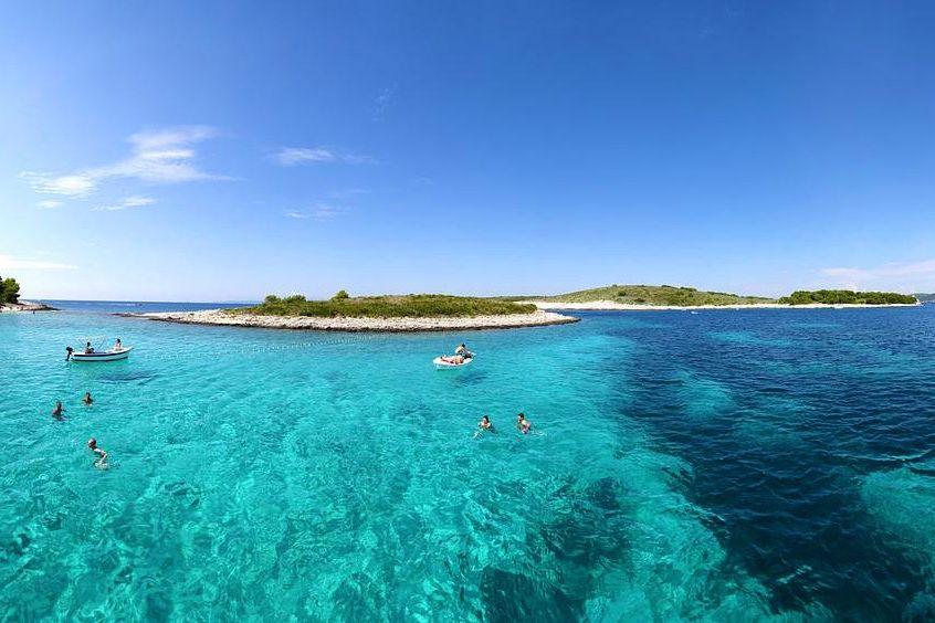 pakleni-islands-excursion-hvar-1426148964_huge